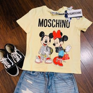 Moschino tee Disney and H&M colaboration